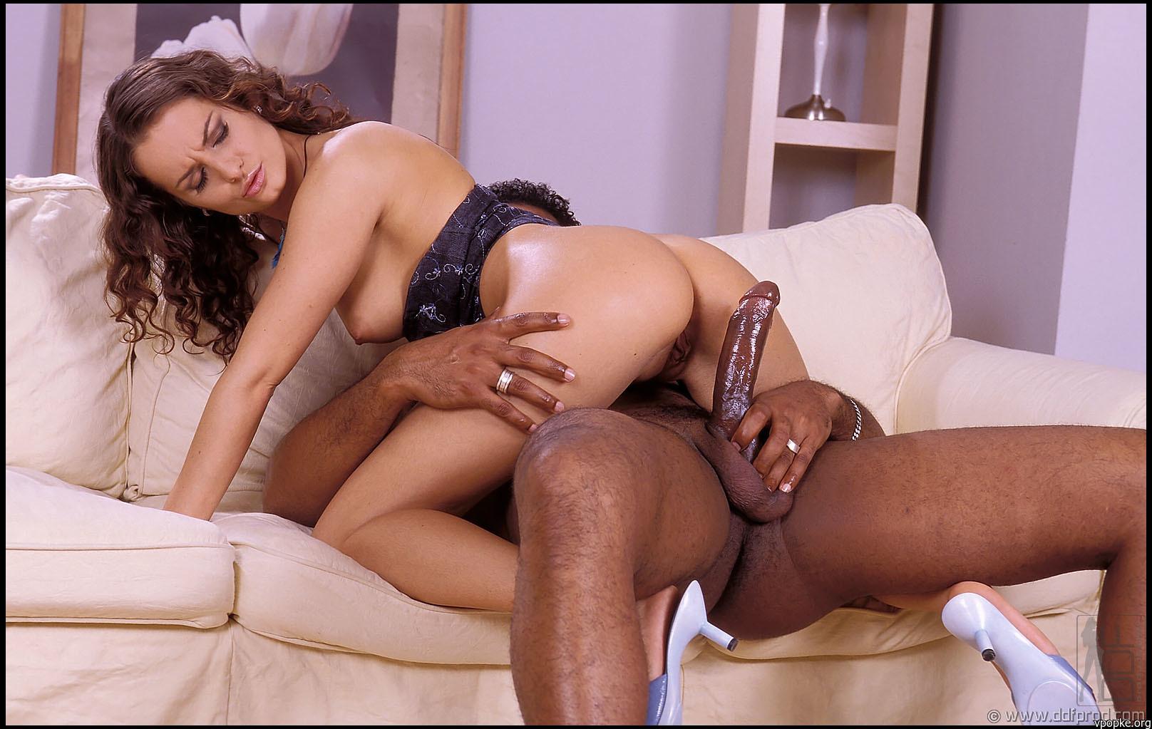 Групповое порно даниелы раш фото 540-879