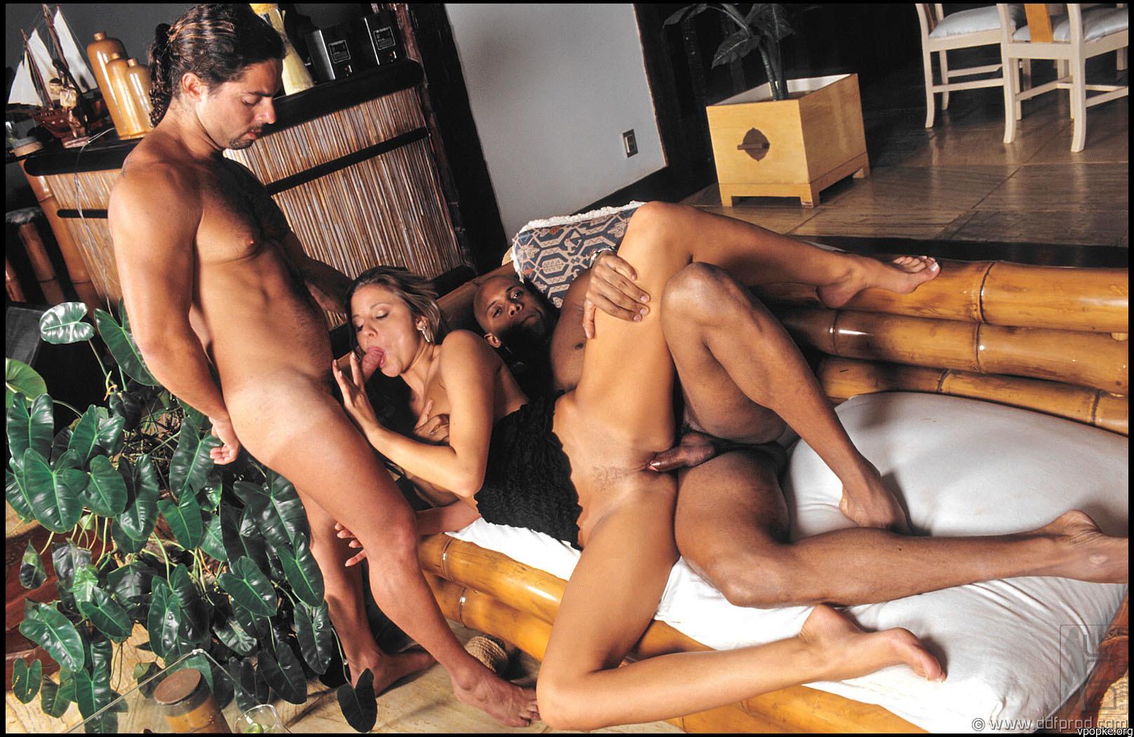 Порно из брачного чтива