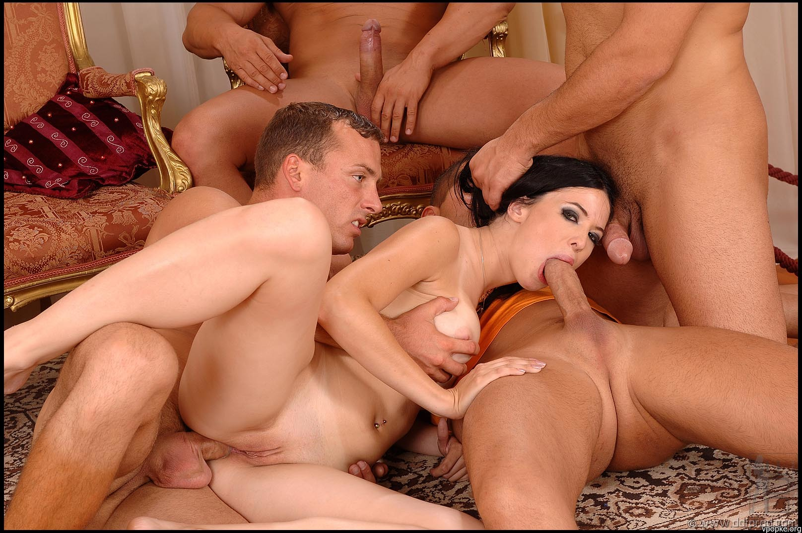 porno-video-ochen-gruppovoe-porno