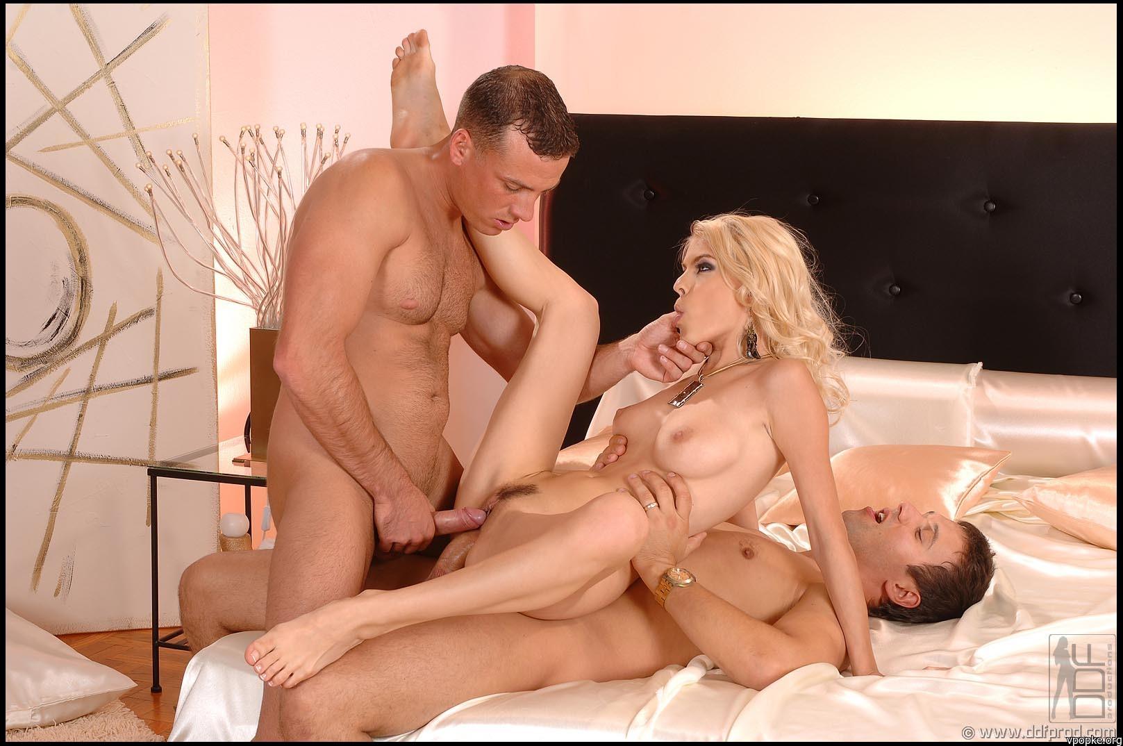 porno-s-shikarnoy-blondinkoy