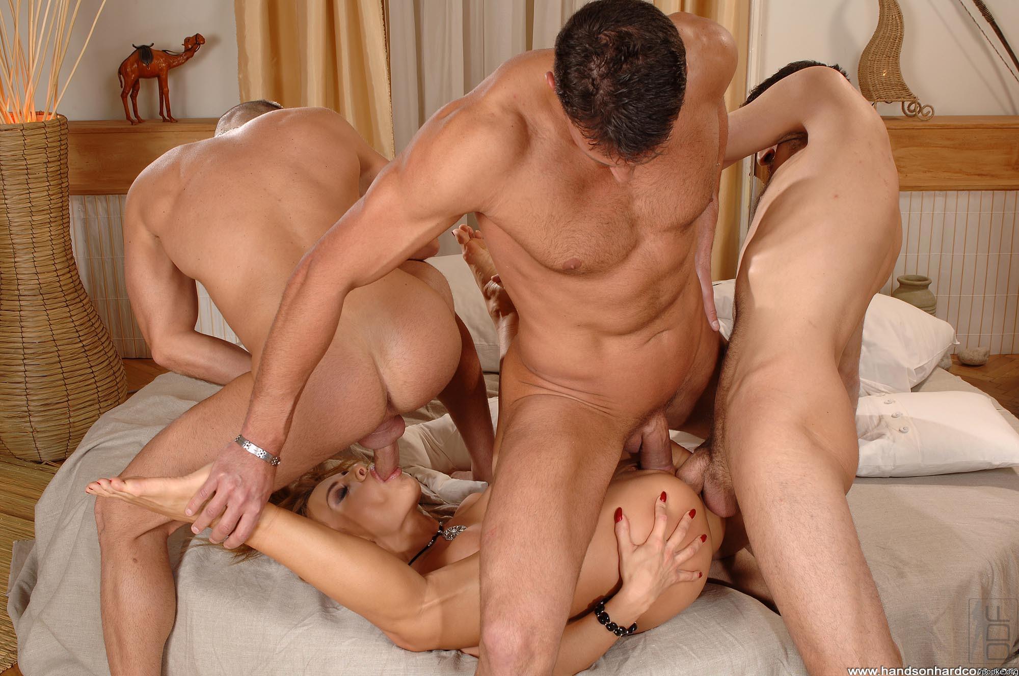 Порно фото три литра в пизде фото 663-378