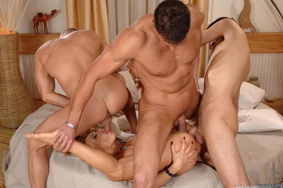 Порно фото девушек с мужиками