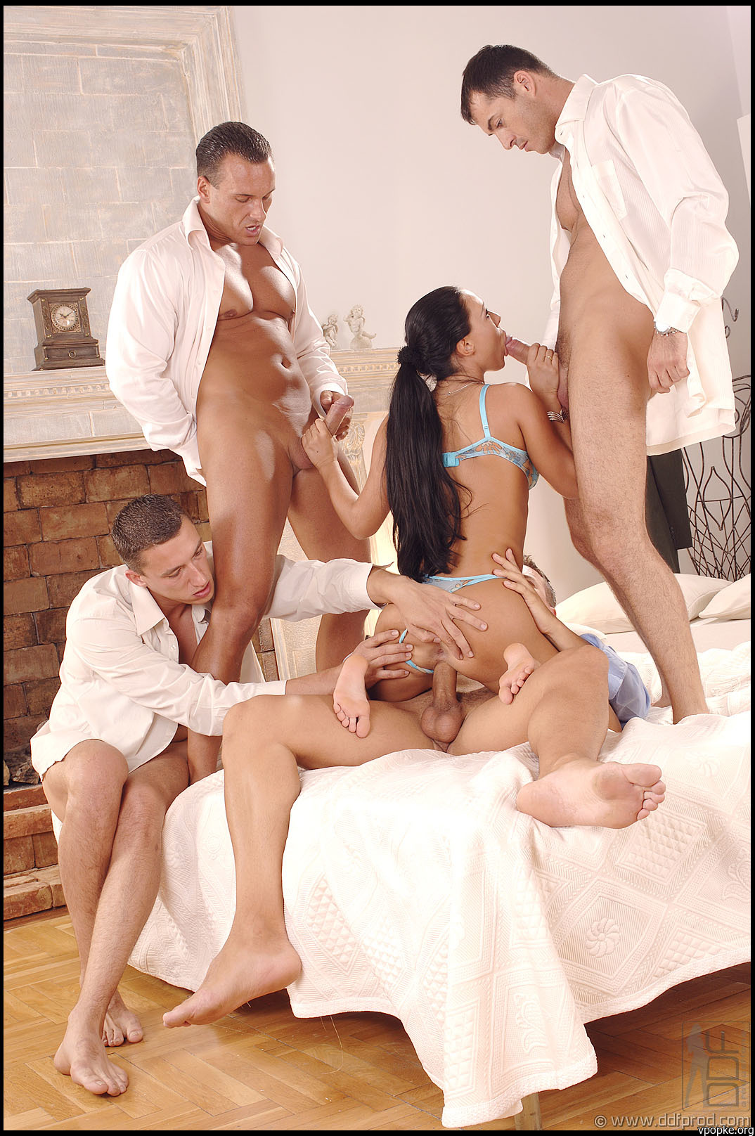 Секс четверо девушек 2 фотография