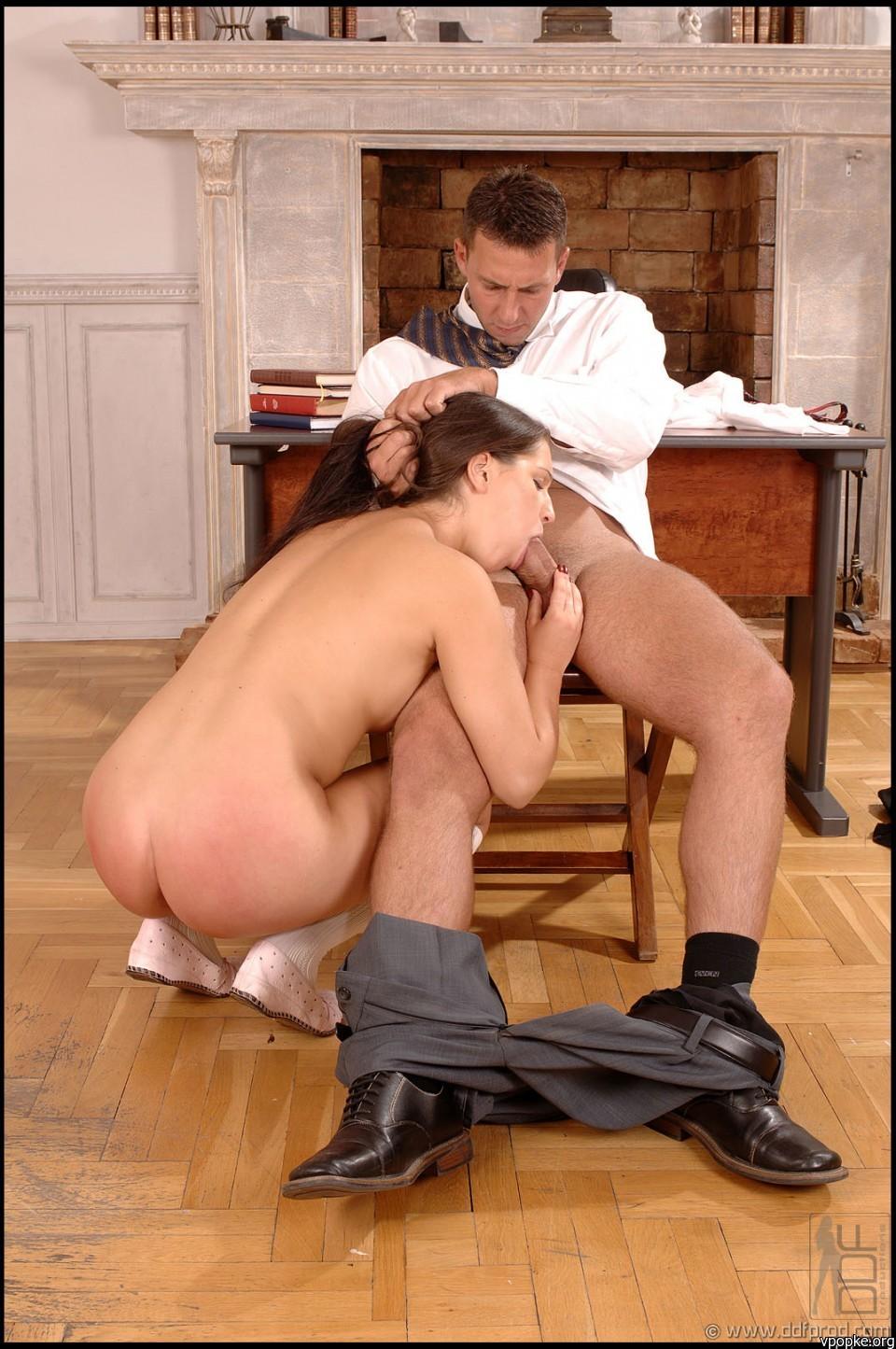 Секс жесткий учитель наказывает студентку 4 фотография