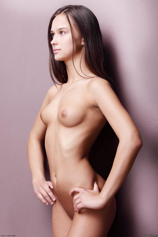 Юные фото модели голые 16 фотография