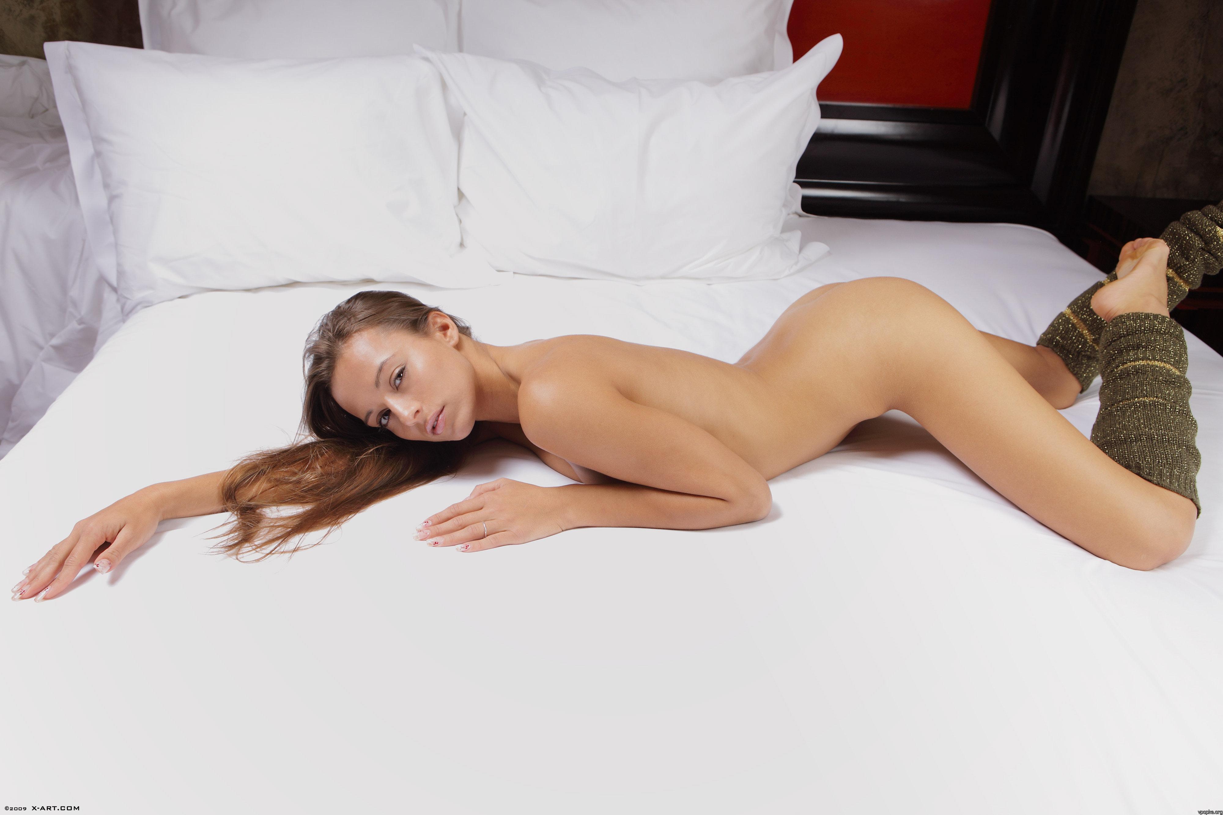Секс на кровати новой